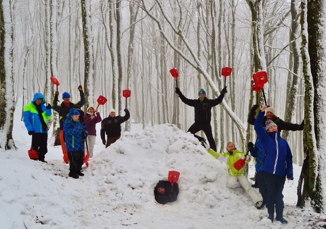 Yooner igloo arva jeux de neige refuge du sotr massif des vosges alsace lorraine - Jeux princesse des neiges ...