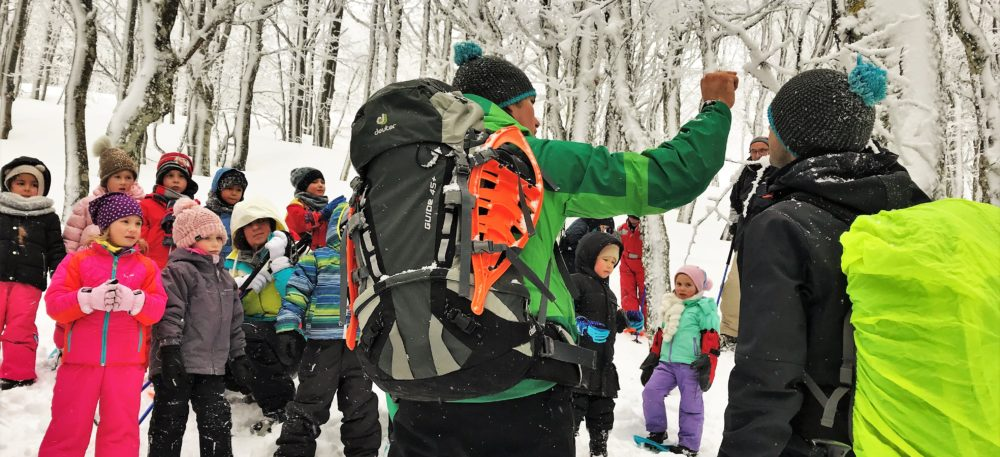 Raquettes pour les scolaires dans les Vosges au Refuge du Sotré !