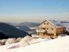Se balader en raquettes à neige et profiter de ces paysages de beauté ! (Crédit photo : Refuge du Sotré / Jean-Marie Haton / Yannick Holtzer)